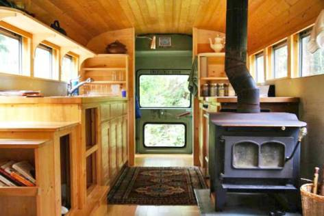 school-bus-to-camper-conversion