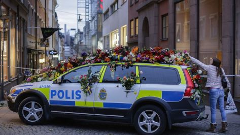 Police Car With flowers