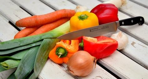 vegetables-knife-paprika-traffic-light-vegetable-40191